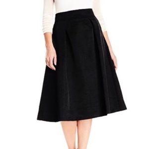 Ivanka Trump Black pleated skirt